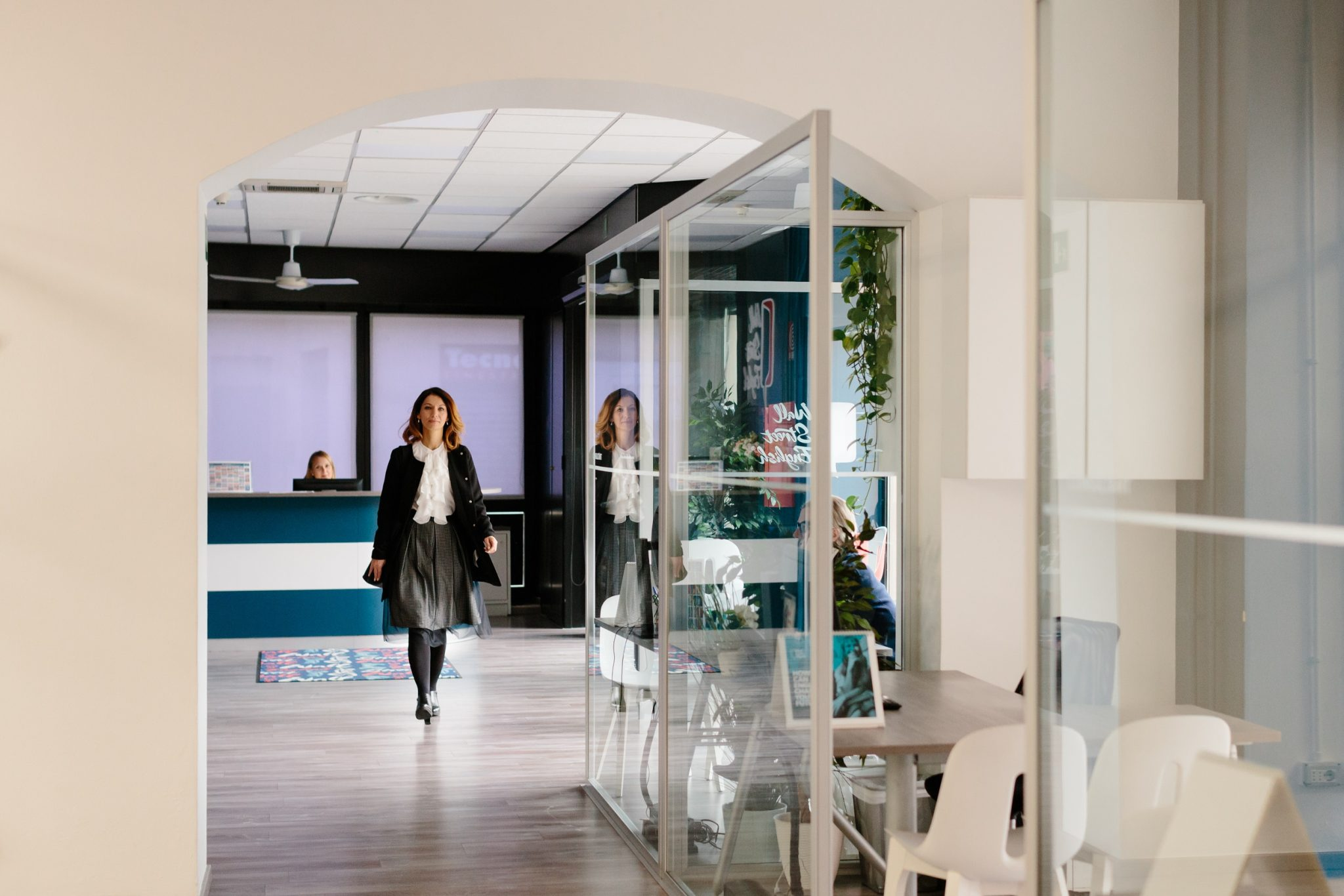 Wall Street English Italy Franchisee walking in center